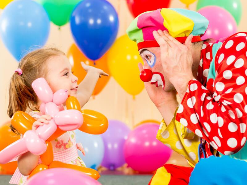 Clown en goochelaar
