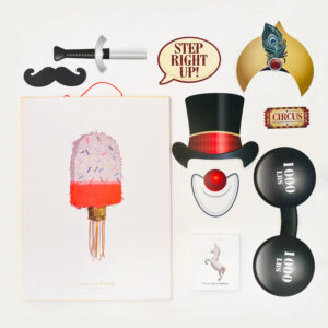 kinderfeestje-thema-circus-luxe-pakket-piñata-frisco-photobooth-props-circus-folieballon-circuspaard