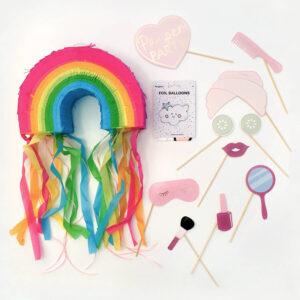 kinderfeestje-thema-droom-piñata-regenboog-photobooth-props-folieballon-wolk